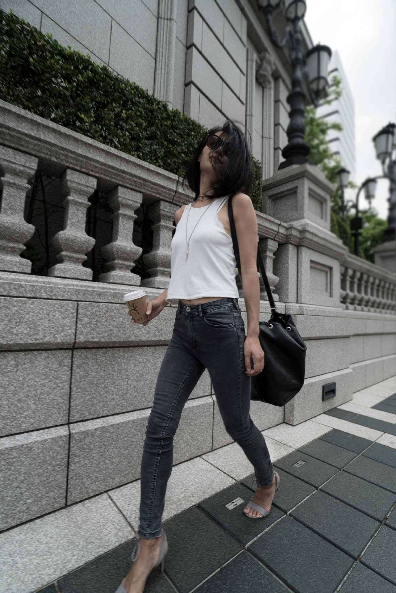 Dress up Basics. white tank top and skinny jeans outfit