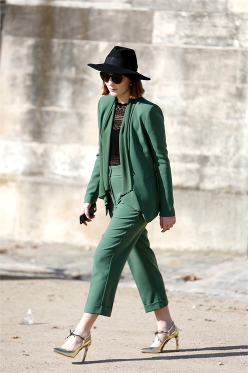 Pant suit green street style